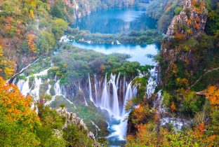 Plitvice Lakes shutterstock_1010228113770x508pxl-Recovered
