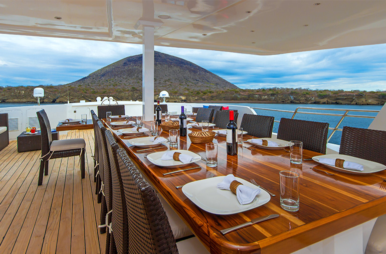 MY Natural Paradise Galapagos Cruising South America