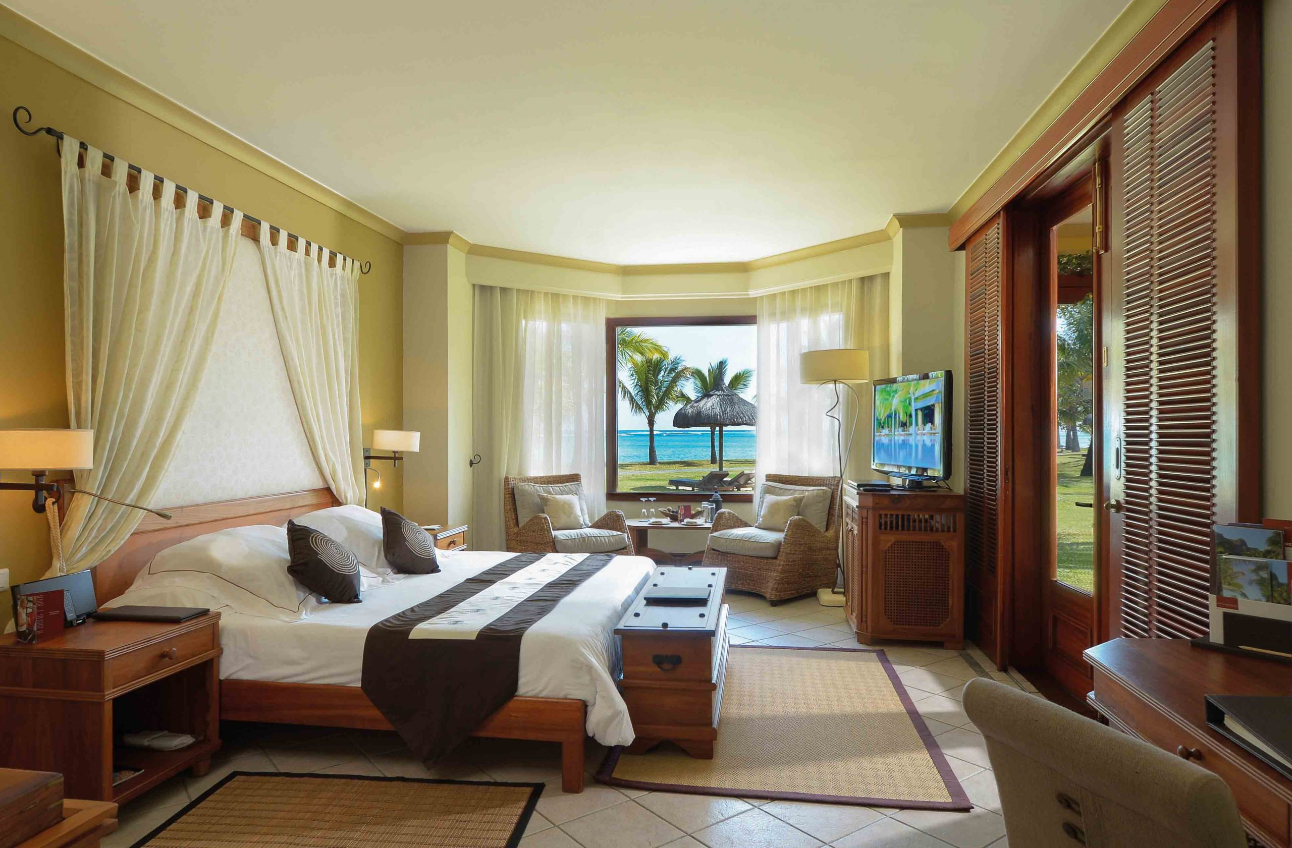 Beachcomber Hotels & Resorts; Mauritius; Île Maurice; Dinarobin Hotel Golf & Spa; 5-star; All-inclusive; Travel; Voyage; Tourism; Tourisme; Holiday; Vacation Mauritius Accommodation Dinarobin Hotel Golf & Spa  Beach accommodation African Travel Specialists Africa