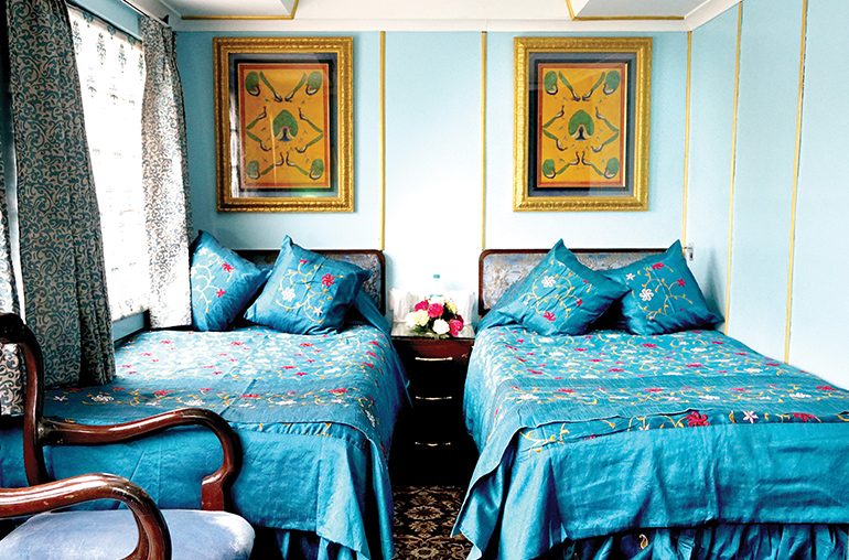 palace on wheels india train travel suite india tours and travel specialists